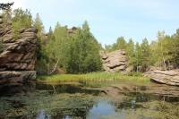 По дороге не Синюху на отметке метров 600 - оз.Моховое (памятник природы, есть беседка, мусора нет) http://www.turistka.ru/altai/info.php?ob=1073
